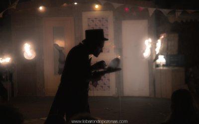 De joyeuse gravité en fâcheuse légèreté, spectacle de feu à Pézenas